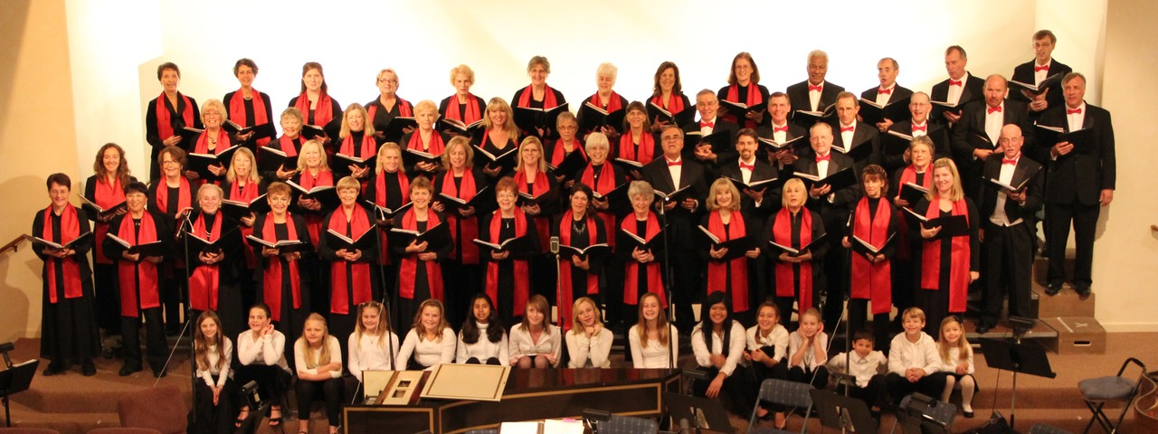 2010chorale with red, YC sittting