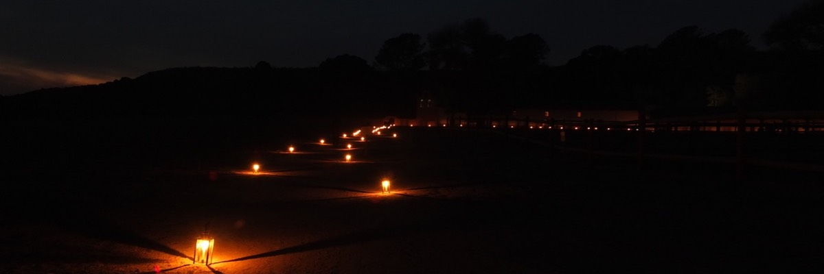 Luminarias on the path to the Mission